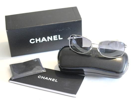 Chanel Collection Perle 4169 Silver Tone Sunglasses Pearl Bead Arm 59mm