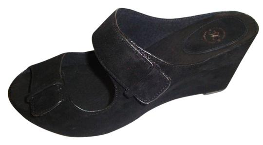 Preload https://item3.tradesy.com/images/johnston-and-murphy-black-new-comfortable-suede-sandals-size-us-65-regular-m-b-21629522-0-5.jpg?width=440&height=440