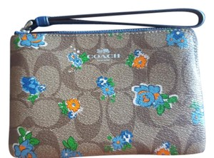 Coach Phone Case Classic Phone Floral Iphone 6 Plus Case Wristlet in Khaki Brown with Blue-green Flowers
