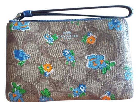 Preload https://item4.tradesy.com/images/coach-new-multi-floral-iphone-card-mini-wallet-khaki-brown-with-blue-green-flowers-leather-wristlet-21629653-0-1.jpg?width=440&height=440
