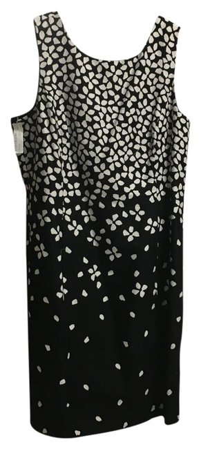 Preload https://item3.tradesy.com/images/lauren-ralph-lauren-black-and-white-print-short-casual-dress-size-16-xl-plus-0x-21629682-0-1.jpg?width=400&height=650
