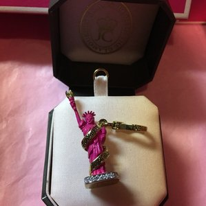 Juicy Couture NEW! JUICY COUTURE ADORABLE HOT PINK STATUE OF LIBERTY CHARM!