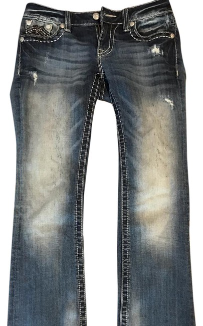 Preload https://item2.tradesy.com/images/medium-wash-boot-cut-jeans-size-28-4-s-21629981-0-2.jpg?width=400&height=650