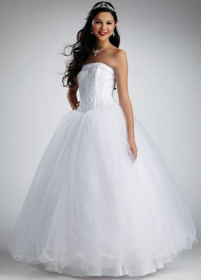 David\'s Bridal White Strapless Tulle Ball Gown with Corseted S ...