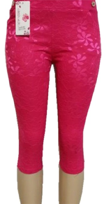 Preload https://img-static.tradesy.com/item/21630510/fuchsia-pants-capricropped-jeans-size-29-6-m-0-1-650-650.jpg