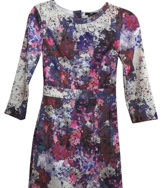 Preload https://item2.tradesy.com/images/h-and-m-floral-long-sleeve-mid-length-night-out-dress-size-2-xs-21630676-0-1.jpg?width=400&height=650