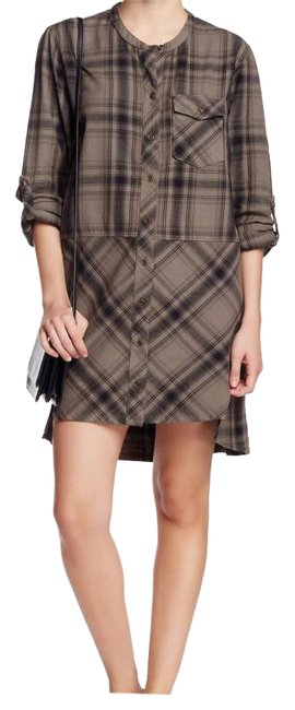 Preload https://img-static.tradesy.com/item/21630732/tommy-bahama-tan-plaid-mid-length-workoffice-dress-size-6-s-0-1-650-650.jpg