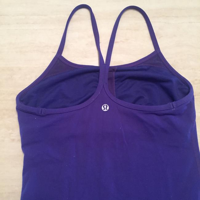 Lululemon razorback with built-in bra