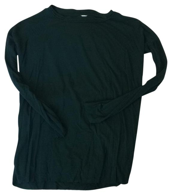Preload https://img-static.tradesy.com/item/21631315/kit-and-ace-dark-green-active-wear-blouse-size-6-s-0-1-650-650.jpg