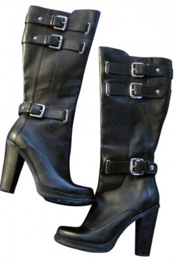 Preload https://img-static.tradesy.com/item/21632/guess-by-marciano-black-stylish-leather-bootsbooties-size-us-75-regular-m-b-0-0-540-540.jpg