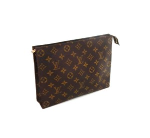 47f6bc54ca613 Louis Vuitton Makeup Cases - Up to 70% off at Tradesy
