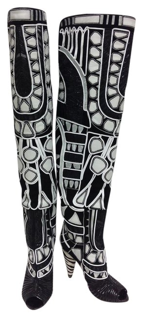 Item - Black and White Embroidered Over The Knee Boots/Booties Size EU 39 (Approx. US 9) Regular (M, B)