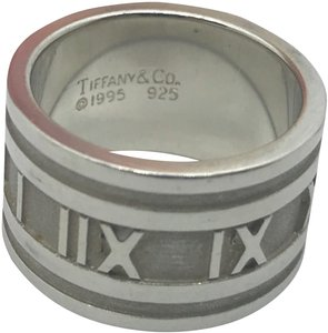 Tiffany & Co. Tiffany & Co Atlas Band Ring Size 6