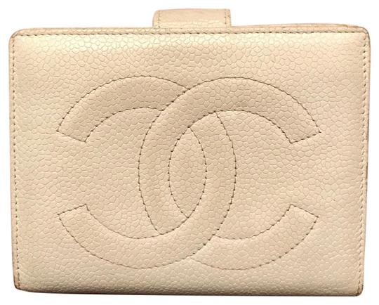 Preload https://img-static.tradesy.com/item/21637027/chanel-white-cc-bifold-snap-wallet-0-1-540-540.jpg