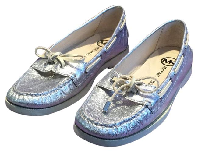 Item - Metallic Silver Loafer Flat Boat Mules/Slides Size US 7.5 Regular (M, B)
