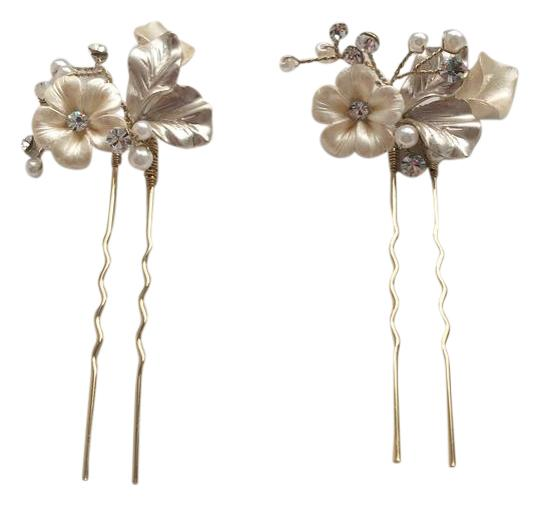 Preload https://img-static.tradesy.com/item/21638628/bhldn-pearl-ivory-gold-and-crystal-twigs-honey-petite-flora-pins-hair-accessory-0-1-540-540.jpg