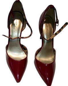 Christian Siriano Chic Strappy Faux Leather Red Pumps