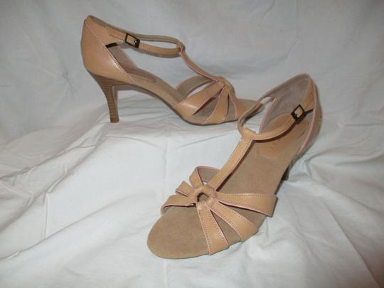 Nine West T-strap Sandal Pbo tan Pumps Image 1
