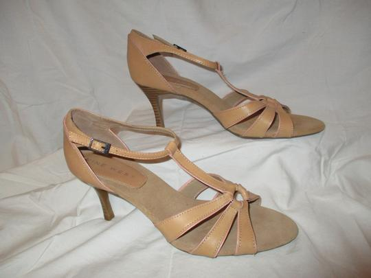 Nine West T-strap Sandal Pbo tan Pumps Image 3