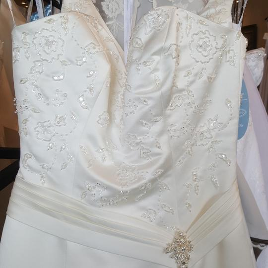 Private Label by G Ivory Satin 1249 Traditional Wedding Dress Size 6 (S) Image 1