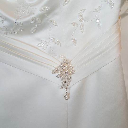 Private Label by G Ivory Satin 1249 Traditional Wedding Dress Size 6 (S) Image 2