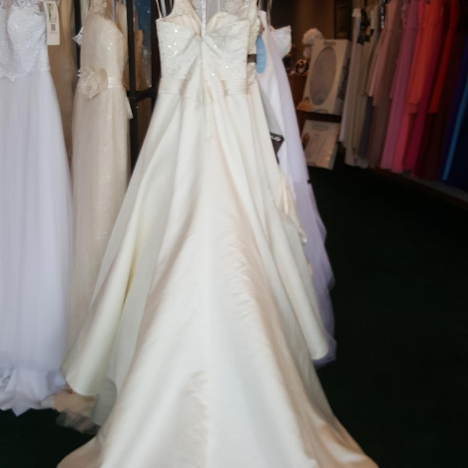 Private label by g 1249 wedding dress on tradesy for Private label wedding dresses