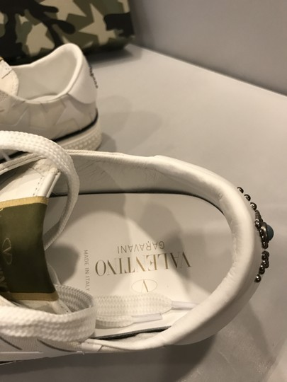 Valentino Studded Rockstud Sneaker Star Low Top White Athletic Image 3