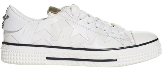 Preload https://img-static.tradesy.com/item/21642664/valentino-white-star-leather-canvas-low-top-sneakers-trainers-sneakers-size-us-9-regular-m-b-0-1-540-540.jpg