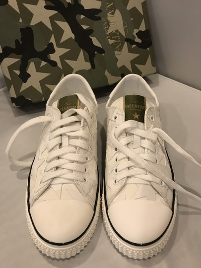 Valentino Studded Rockstud Sneaker Star Low Top White Athletic Image 7