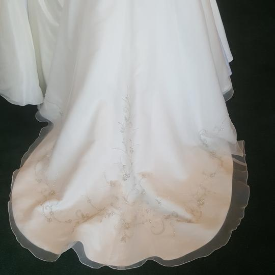 Alfred Angelo Ivory/Cafe 2086 Traditional Wedding Dress Size 14 (L) Image 8