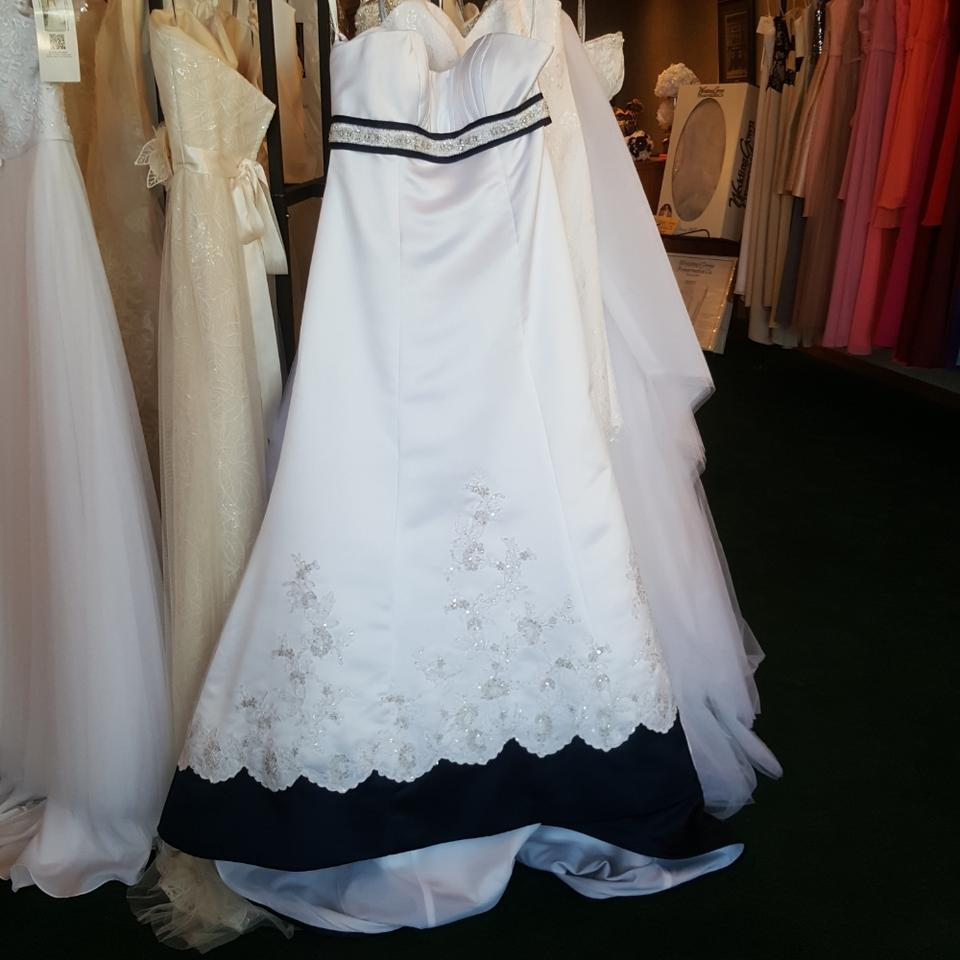 Alfred Angelo White/Navy Satin 2105 Traditional Wedding Dress Size ...