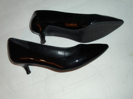 Vince Camuto Classic Shiny Tailored Solid Polished black Pumps Image 2