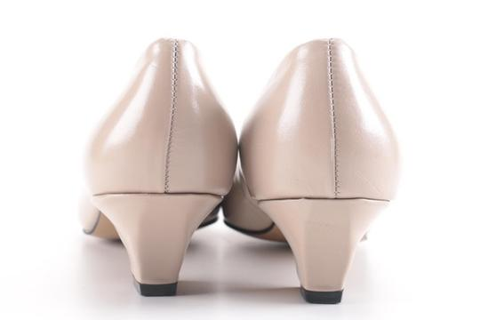 Auditions Leather Basic Classic Tan / Nude Kitten Heel Pumps Image 2