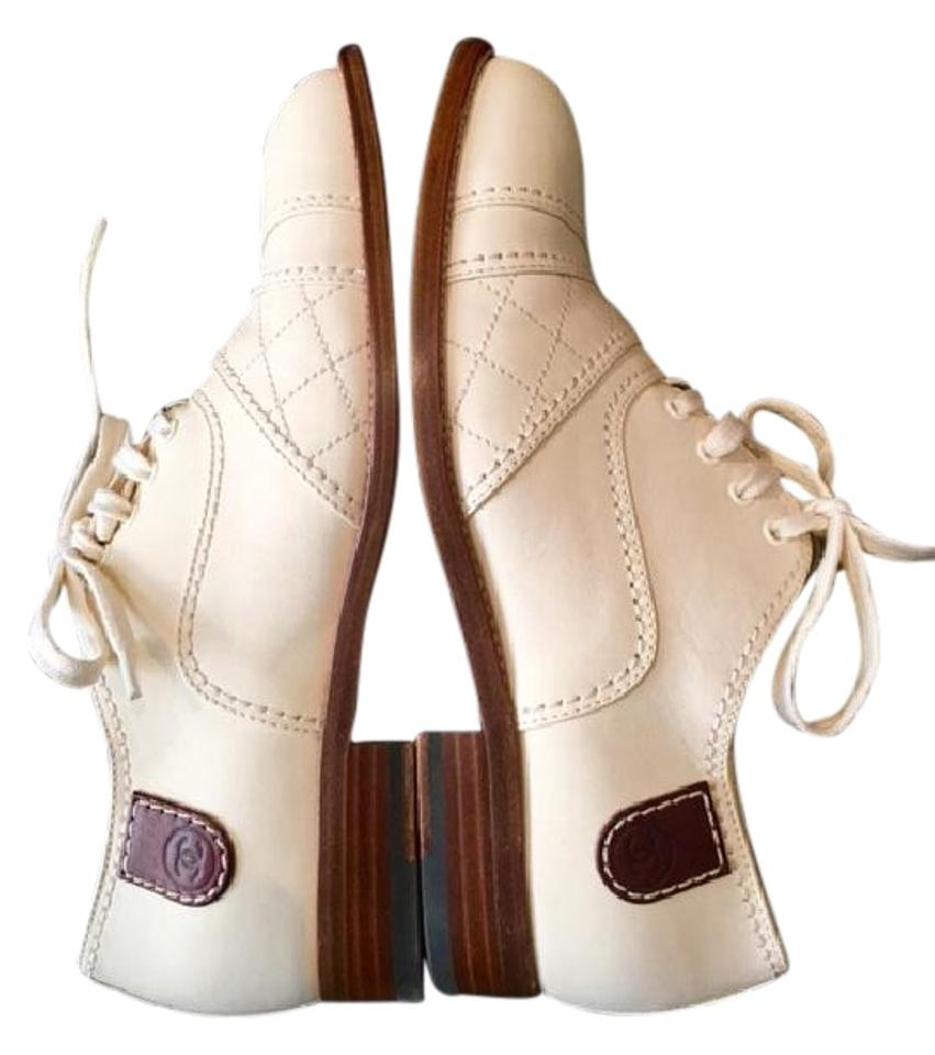 a1b1986c15e Chanel Lace Up Moccasins Oxfords Loafers Quilted Light Beige Flats Image 0  ...