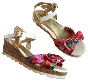 Juicy Couture Pink, White, Gold Wedges