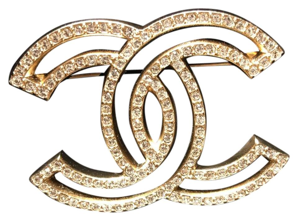 how to wear a chanel brooch
