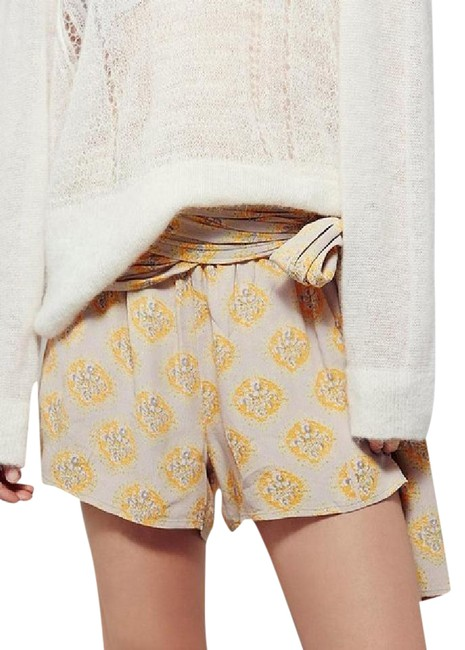 Item - Yellow/ Muti Extreme Printed Wrap Shorts Size 0 (XS, 25)
