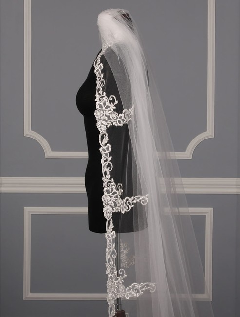 St. Pucchi Diamond White and Silver Long M9339 Chapel Length Bridal Veil St. Pucchi Diamond White and Silver Long M9339 Chapel Length Bridal Veil Image 4
