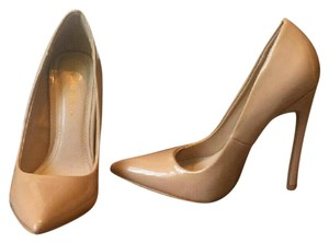 Shoe Republic LA NUDE Pumps