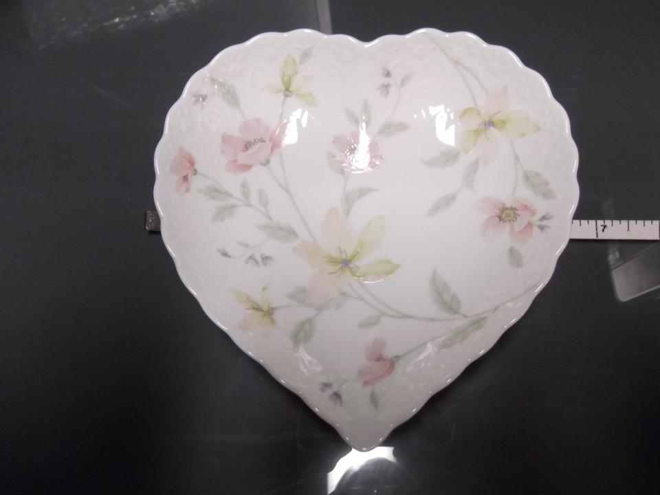 Mikasa pink yellow lavendar white heart shaped flower for jewelry 123456789 mightylinksfo