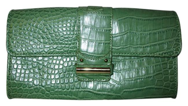 Item - Croc Embossed Green Leather Clutch