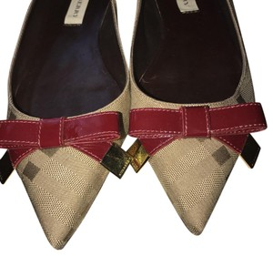 Burberry Burberry Brown Flats