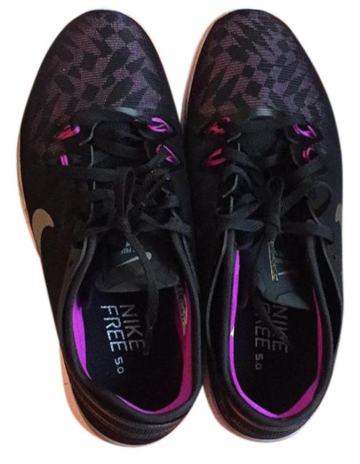 Nike Black and Pink Sneakers Size US Regular (M, B) Nike Black and Pink Sneakers Size US Regular (M, B) Image 1