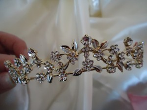 Gold Creamy Enamel Flowers Clear Rhinestones Short New ~ Leaves ~ Quality Made Bridal Veil