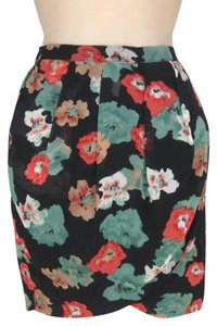 SUNCOO Paris Tulip Wrap Artsy Print Floral Mini Skirt Black