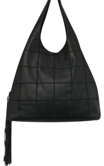 Preload https://item3.tradesy.com/images/chanel-hobo-drawstring-lambskin-tassel-black-leather-shoulder-bag-21680157-0-2.jpg?width=440&height=440