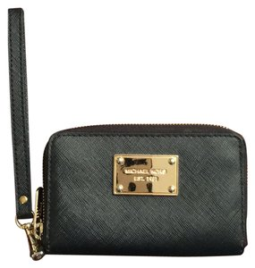 ba30ea61ce1b Michael Kors Bags - Up to 90% off at Tradesy