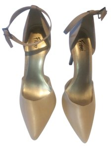 Fioni Chic Classic Night Out Date Night beige Pumps