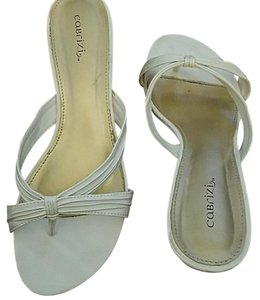 Cabrizi White Pumps