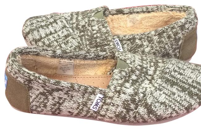 Item - Knit with Faux Fur Lining Flats Size US 8 Wide (C, D)